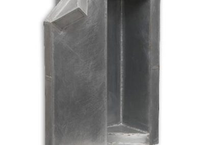 Apertura-de-un-espacio-vacío-40x20x20-cm.-2005